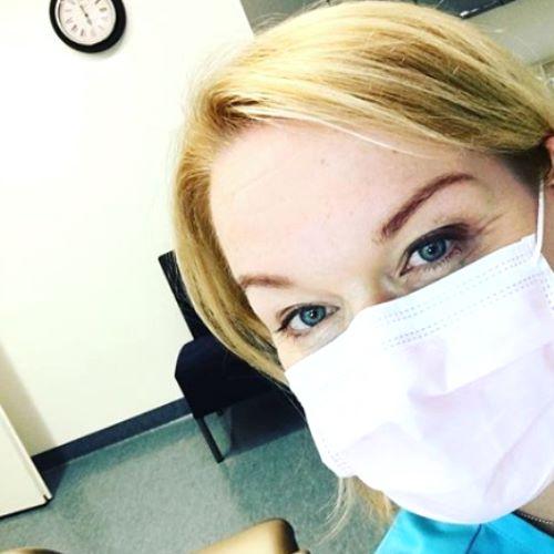 Hammashoitoon voi tulla täysin pelotta. Haluamme auttaa asiakasta kokemaan turvallisen ja miellyttävän hammashoidon.